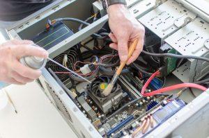 Как очистить компьютер от пыли?